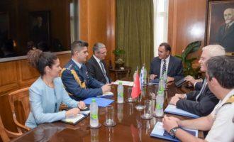 Ο πρεσβευτής της Τουρκίας επισκέφθηκε το υπουργείο Εθνικής Άμυνας