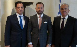 Συνάντηση Γεωργιάδη-Ξενοκώστα: Σε καλή πορεία η αποκρατικοποίηση των ναυπηγείων της Σύρου