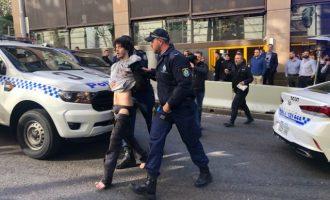 Συνελήφθη άνδρας στο Σίδνεϊ που μαχαίρωσε δύο γυναίκες ουρλιάζοντας «Αλλαχού Ακμπάρ»