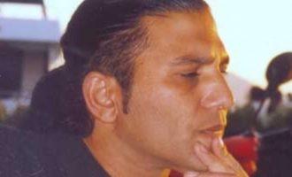 Μάχη για τη ζωή του δίνει Έλληνας τραγουδιστής – Υπέστη ανακοπή καρδιάς και εγκεφαλικά