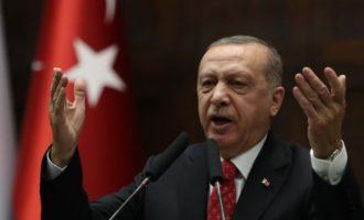 Ο Ερντογάν απειλεί να συνεχίσει την εισβολή στη Συρία «με αποφασιστικότητα»