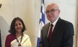 Συνάντηση Φραγκογιάννη με την πρέσβη της Ινδίας στην Αθήνα
