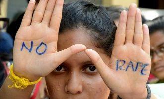 Φρίκη: Αδέρφια βίασαν και στραγγάλισαν 6χρονη στην Ινδία