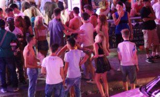 Νεαρές έκαναν επίθεση αγάπης σε τουρίστα στη Ζάκυνθο και του «ξάφρισαν» 135 ευρώ
