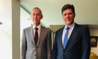 Ο Ρώσος πρεσβευτής επισκέφθηκε τον Βαρβιτσιώτη – Ζήτησε να έρθει ο Λαβρόφ στην Αθήνα
