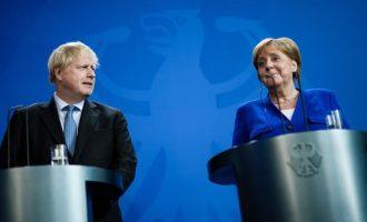 Η Μέρκελ έδωσε 30 μέρες διορία στον Τζόνσον για να μην υπάρξει «σκληρό» Brexit