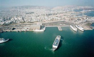 Handelsblatt: Το λιμάνι του Πειραιά θα εκτοπίσει Αμβούργο και Βρέμη