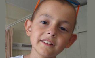 Θρήνος για τον 8χρονο που τον νίκησε ο καρκίνος – «Έφυγε το λιοντάρι μου»