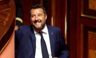 Βυθίζεται η Ιταλία στην αβεβαιότητα μετά τη διάλυση του κυβερνητικού συνασπισμού