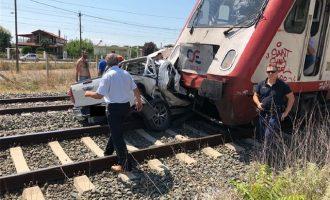 41χρονη έγκυος σκοτώθηκε μετά από σύγκρουση ΙΧ με τρένο στα Διαβατά