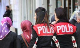 Τούρκοι αστυνομικοί παρακολουθούν όλο το 24ωρο τα social media και συλλαμβάνουν όποιον έχει άλλη άποψη