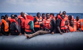 Πανικός στη κυβέρνηση για τις αθρόες ροές προσφύγων – Σύσκεψη στο Μαξίμου