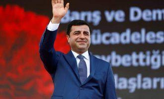 Ο Ερντογάν «έστησε» πάλι κατηγορία για τρομοκρατία σε βάρος του Ντεμιρτάς