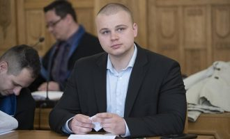 Σλοβάκος ακροδεξιός βουλευτής έχασε την έδρα του γιατί σύγκρινε τους Ρομά με ζώα