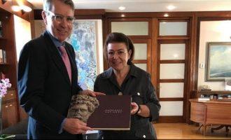 Πάιατ και Μενδώνη συζήτησαν για τη συνεργασία Ελλάδας-ΗΠΑ στον πολιτισμό