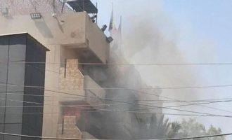 Στις φλόγες η πρεσβεία της Ρουμανίας στη Βαγδάτη του Ιράκ