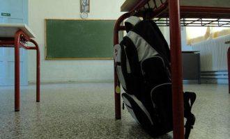 Δασκάλα σε σχολείο της Γλυφάδας βρέθηκε θετική στον κορωνοϊό