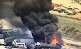 ΗΠΑ: Τρένο εκτροχιάστηκε και τυλίχθηκε στις φλόγες στο Ιλινόις (βίντεο)