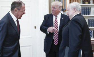 Ο Τραμπ φέρεται να είπε σε Ρώσους: Δεν με ενοχλεί που επεμβαίνετε στις εκλογές μας – Κι εμείς το κάνουμε σε άλλους