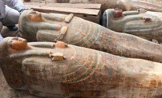 Ιστορική ανακάλυψη στην Αίγυπτο: Τέλεια συντηρημένες μούμιες και το μεγαλύτερο φέρετρο των αιώνων