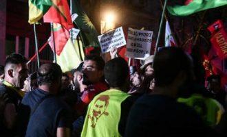 Ένταση στην πορεία των Κούρδων προς την τουρκική πρεσβεία