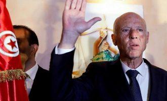 Ποιος είναι ο Κάις Σαΐντ που σάρωσε στις προεδρικές εκλογές της Τυνησίας