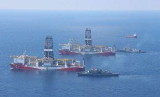 Ο Τσαβούσογλου απειλεί να στείλει γεωτρύπανα στην κυπριακή ΑΟΖ