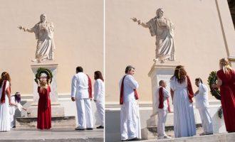 Η Ελληνική Εθνική Θρησκεία στεφάνωσε το άγαλμα του Ρήγα Φεραίου