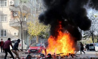 Τούρκοι στρατιώτες πυροβόλησαν και σκότωσαν Σύρο διαδηλωτή στο Κομπάνι