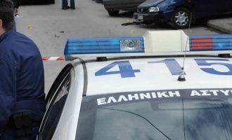 Γυναίκα μαχαίρωσε άνδρα μέρα μεσημέρι στο κέντρο της Άρτας