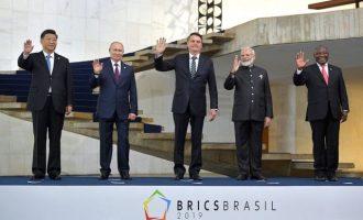 Ο Πούτιν παραδίδει S-400 στην Ινδία, θέλει συνομιλίες με τις ΗΠΑ, προβλέπει χάος στη Βολιβία