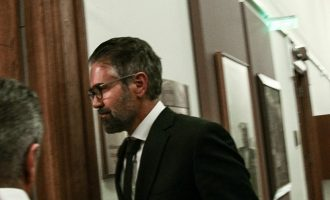 Ο αντεισαγγελέας Αρείου Πάγου ζητά από την Βουλή την κατάθεση Φρουζή για τη Novartis