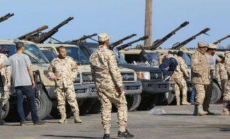 Ο Λιβυκός Εθνικός Στρατός (LNA) έξω από τη «νότια πύλη» της Τρίπολης