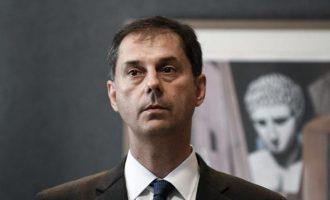 Ο ΣΥΡΙΖΑ ζητά την απομάκρυνση Θεοχάρη για το «πρωτοφανές μπάχαλο στον τουρισμό»