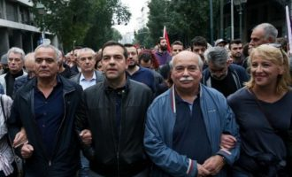 Ο Αλέξης Τσίπρας διαδήλωσε στην επέτειο του Πολυτεχνείου