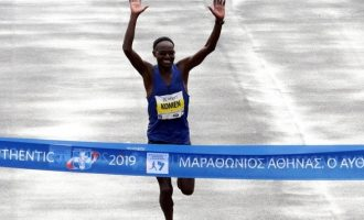 37ος Μαραθώνιος Αθήνας: Πρώτευσε ο 42χρονος Κενυάτης Κόμεν – Τρίτος ο Γκελαούζος