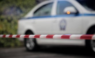 Σοκ στους Αγίους Θεοδώρους: Ληστές σκότωσαν με αυτοκίνητο ηλικιωμένη γυναίκα
