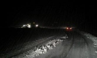Εφιάλτης για 53 φοιτητές στην Εύβοια: Το λεωφορείο τους έπεσε σε χαντάκι λόγω χιονόπτωσης