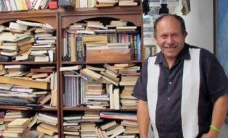 Οδηγός απορριμματοφόρου έφτιαξε βιβλιοθήκη για φτωχά παιδιά