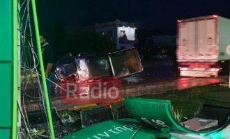 Αγροτικό έπεσε σαν «ρουκέτα» σε βενζινάδικο στην Ιεράπετρα – Τέσσερις τραυματίες