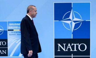 Το ΝΑΤΟ «μαγειρεύει» άδειασμα Ελλάδας και Γαλλίας υπέρ της Τουρκίας