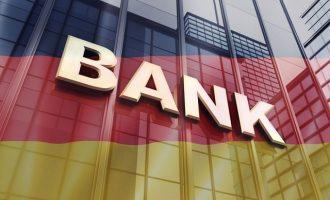 Deutsche Welle: Εντείνονται οι φόβοι για λουκέτα σε γερμανικές τράπεζες