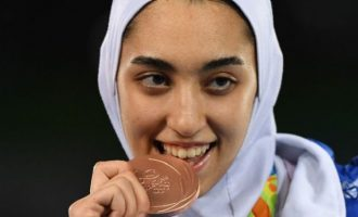 Η Ιρανή Ολυμπιονίκης, που το «έσκασε» από τους Μουλάδες, θα συνεχίσει στη Γερμανία