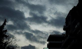 Καιρός: Πέφτει η θερμοκρασία την Τρίτη – Που θα βρέξει