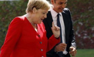 Επικοινωνία Μητσοτάκη-Μέρκελ για τη Λιβύη ενώ ο Χαφτάρ βρίσκεται στην Αθήνα