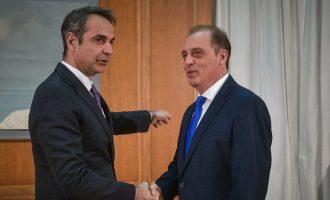 Βελόπουλος σε Μητσοτάκη: «Ομονοούντες οι Έλληνες κερδίζουν και το πιο ισχυρό τείχος»