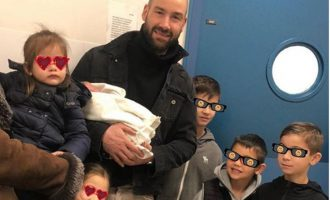 Έγινε πατέρας για έκτη φορά ο Σπανούλης – Η οικογένεια με το νέο μέλος της (βίντεο)