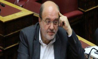 Τι είπε ο Τρύφων Αλεξιάδης μετά το λιποθυμικό επεισόδιο στη Βουλή