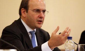 Επιστήμονες επιτέθηκαν στην κυβέρνηση για τα 400 ευρώ