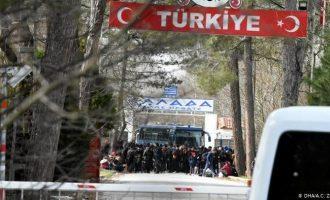 DW: 120.000 πρόσφυγες έτοιμοι να μετακινηθούν προς την Ελλάδα